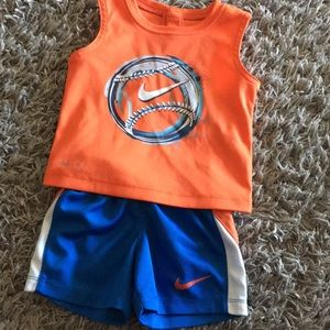 Nike Infant Outfit